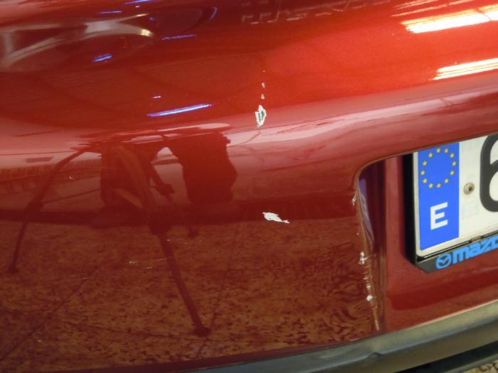 reparacion arañazo Malaga  Mazda antes